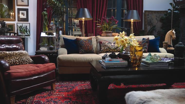Interior Designer Annie Speck Layered Patterns In Her Design Studio In The  Canyon. | Photo