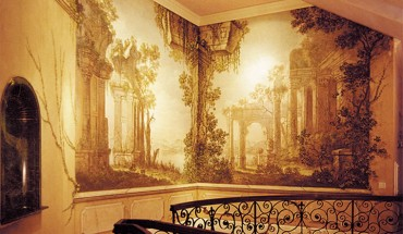 A trompe l'oeil mural by Lorenzo George in a private Orange County residence. | Photo courtesy of Lorenzo George