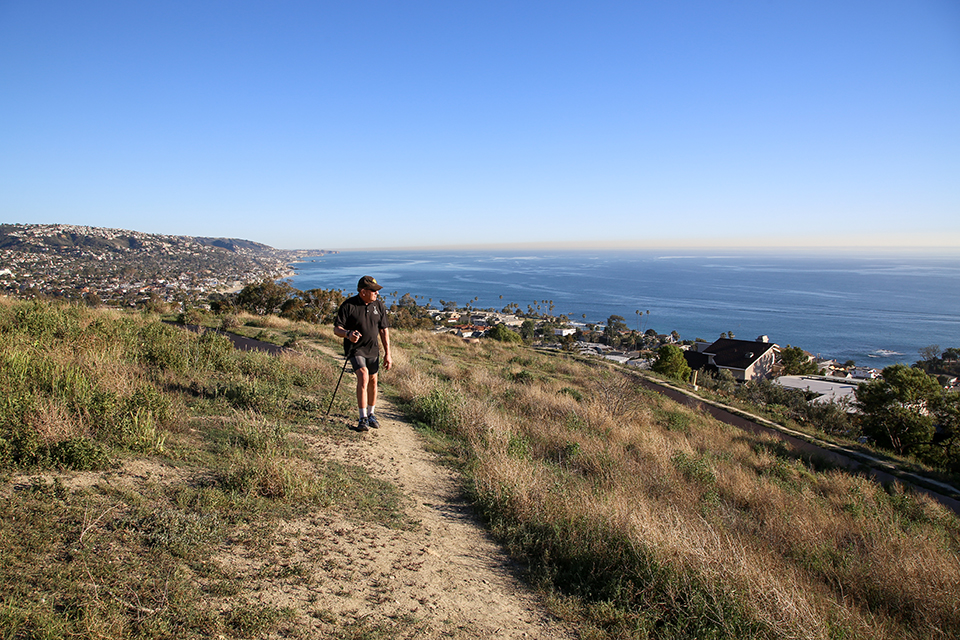 Dr. Jack Lynn hikes Spur Ridge for a 30-minute walk with panoramic views of Laguna Beach.