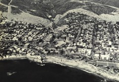 An aerial view of Divers Cove and Heisler Park in the 1940s (Courtesy of Laguna Beach Historical Society)