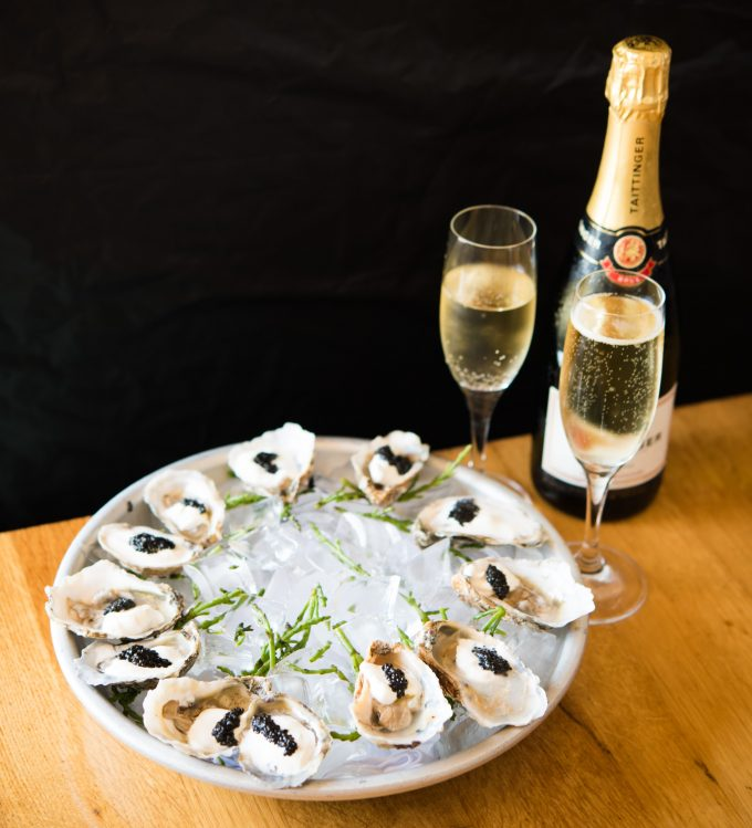 Oysters & Champagne (2)