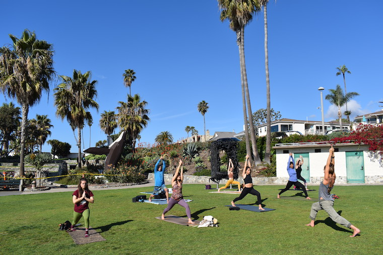 OM yoga class at Heisler Park_by Sharon Stello