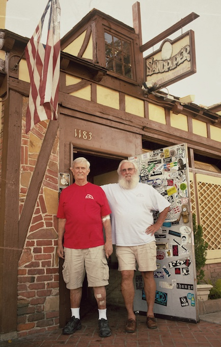 Chuck and Chip at The Sandpiper_credit Sean Armenta