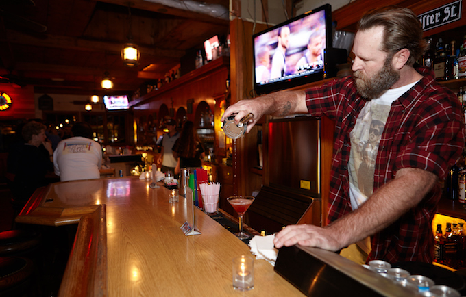 Marine Room bartender_credit Sean Armenta